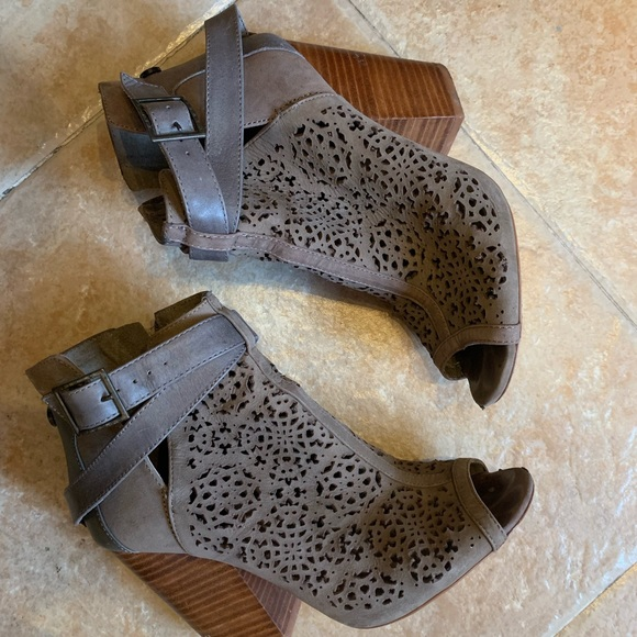 Vince Camuto Shoes - Vince Camuto booties
